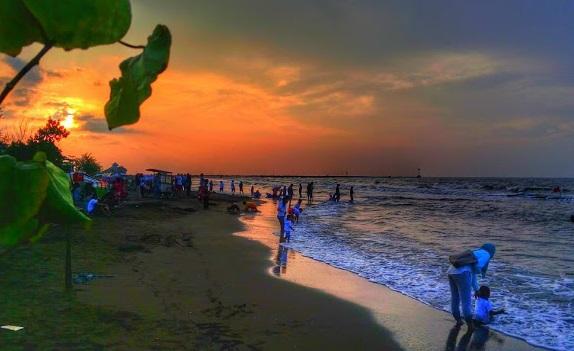 Wisata Batang : Pantai Sigandu Dekat Dolphins Center Batang